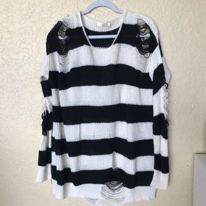 Millau Distressed B& W Oversized Sweater S feels L